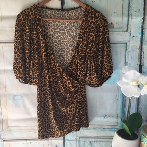 Nine West leopard print cross body flowy shirt